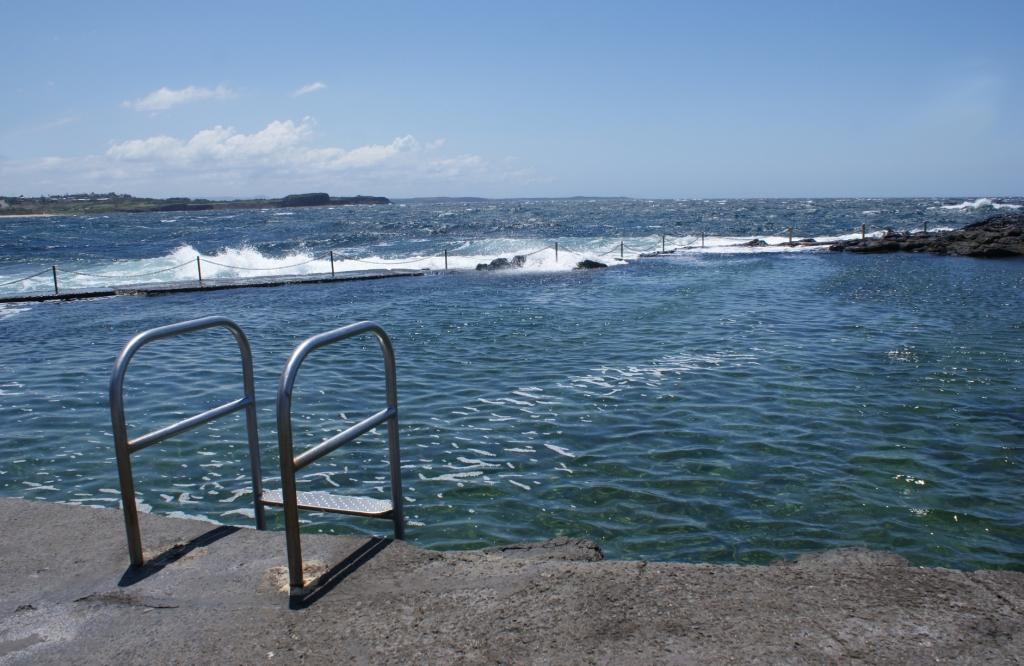 Бассейн с океанической водой в городе Киама (Kiama)