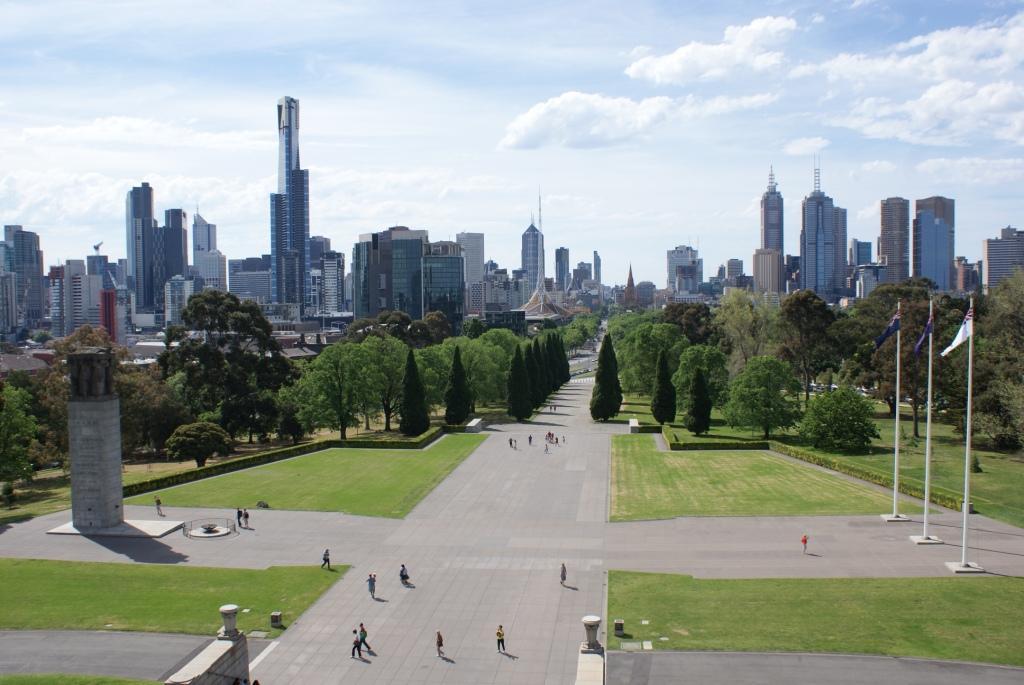 Мельбурн, вид на город с Монумента Памяти (Shrine of Remembrance)