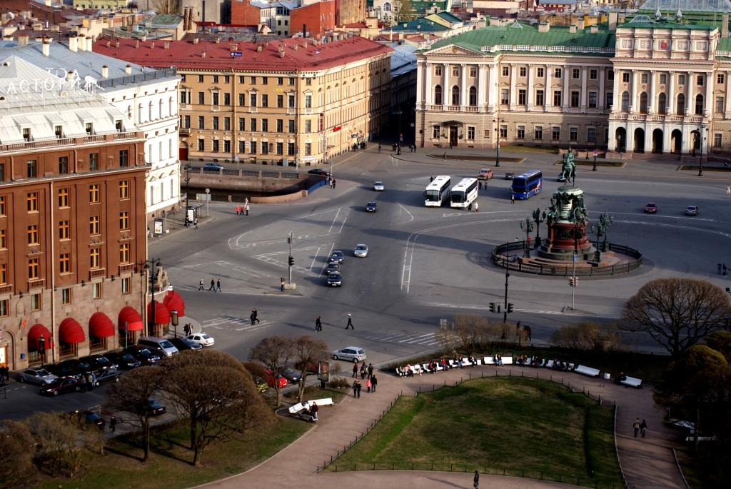 Весенние дни в Петербурге