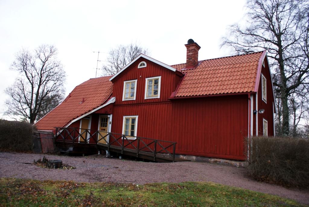 Традиционный красный дом